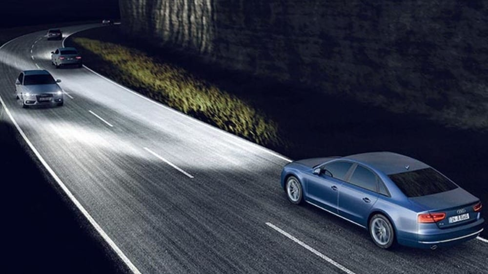 Fari auto intelligenti led laser e telecamere for Fari a led per auto