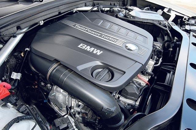 BMW X4, anti SUV, prova su strada