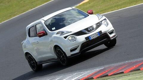 Nissan Juke Nismo RS, le immagini in pista