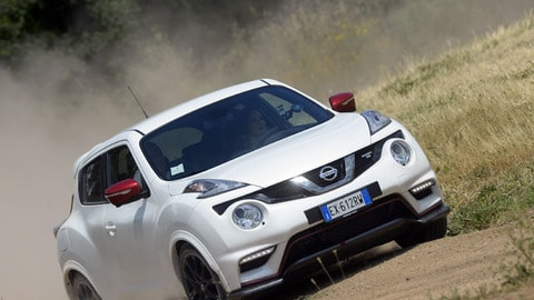 Nissan Juke Nismo RS, le immagini in off-road