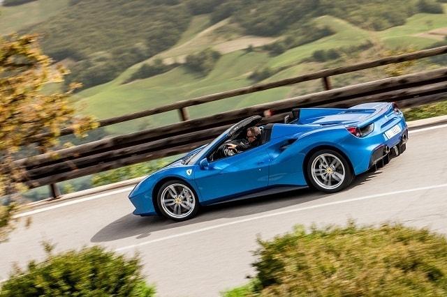 Ferrari 488 spider sulle strade dell'Emilia Romagna