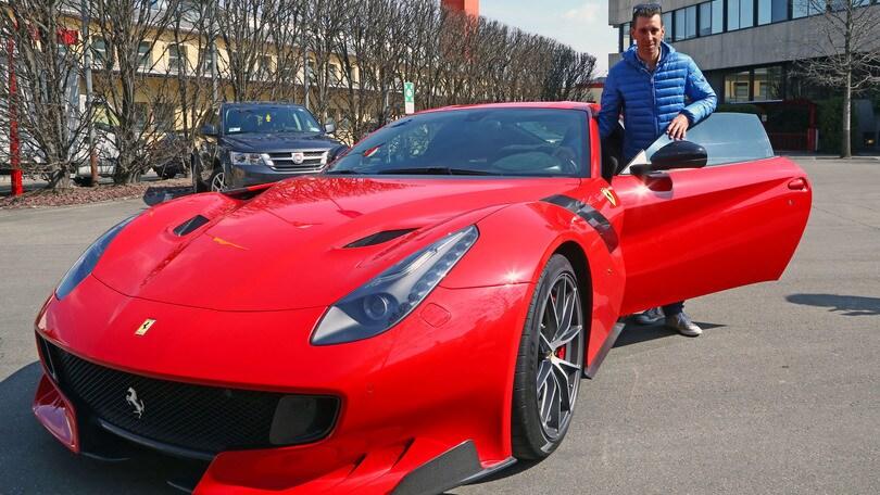 ferrari, nibali in visita a maranello ammira la f12tdf - auto.it