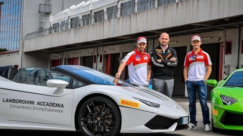 Lamborghini Huracan, Stoner e Dovizioso scendono in pista: foto