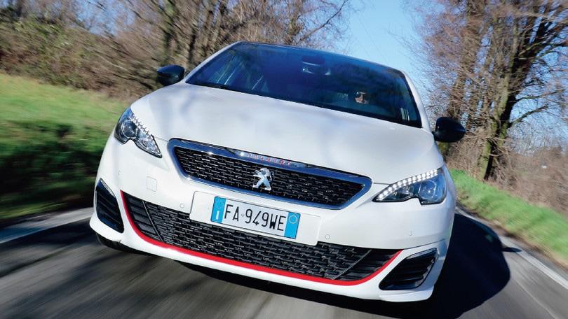 Peugeot 308 GTi, aggressione all'asfalto: la prova