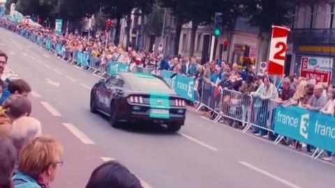 Ford Mustang in maglia gialla al Tour de France