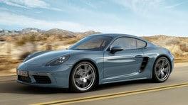 Al volante della nuova Porsche 718 Cayman, la quattro cilindri sovralimentata