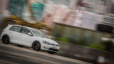 Volkswagen e-Golf Challenge Turismo elettrico