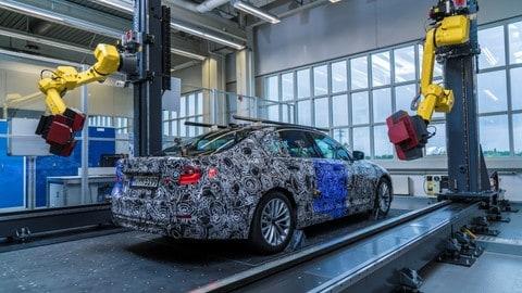 Nuova BMW Serie 5, prime immagini