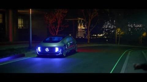 """Lo spot della Mercedes Classe E """"autonoma"""" ritirato negli Stati Uniti"""
