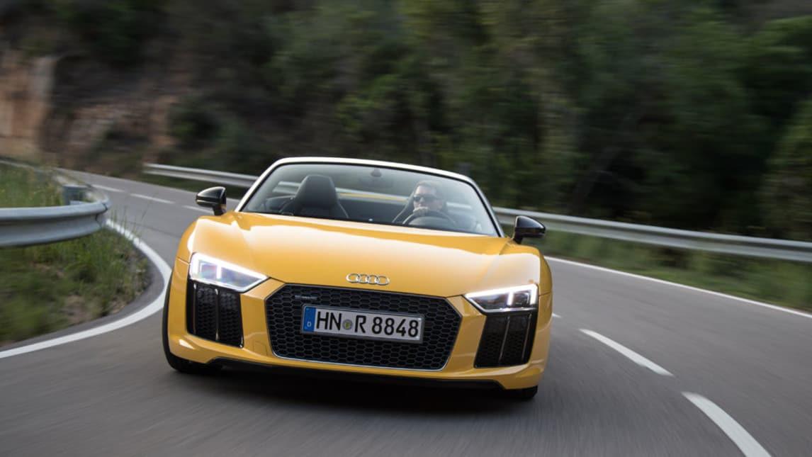 Audi R8 Spyder, primo contatto: foto