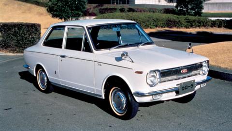 Toyota Corolla, l'auto più venduta del mondo compie 50 anni