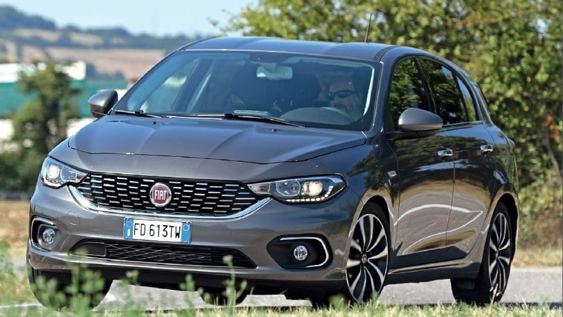 fiat tipo 5 porte come va la hatchback furba. Black Bedroom Furniture Sets. Home Design Ideas