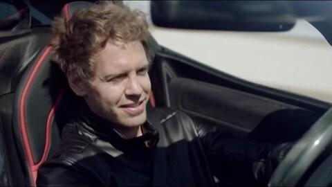 LaFerrari Aperta, Vettel prova la cabrio da 2 milioni