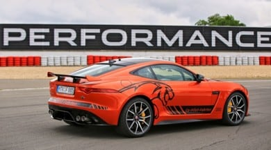 Motor Show, Jaguar porta la cavalleria pesante