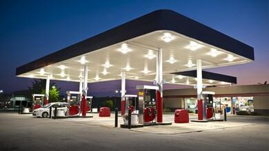 Calo del prezzo di benzina e gasolio, risparmiati 17,3 miliardi