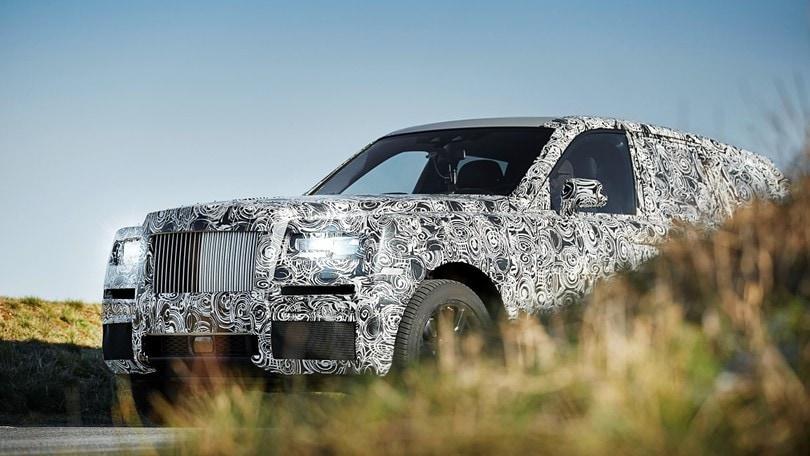Rolls Royce progetto Cullinan, il suv inizia i test
