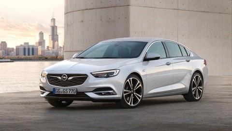 Opel Insignia Grand Sport, le foto