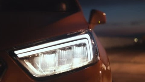 Opel Mokka X, il Suv con i fari adattivi a LED AFL