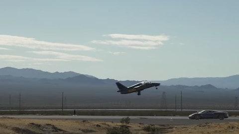 Pagani Huayra, la sfida col jet