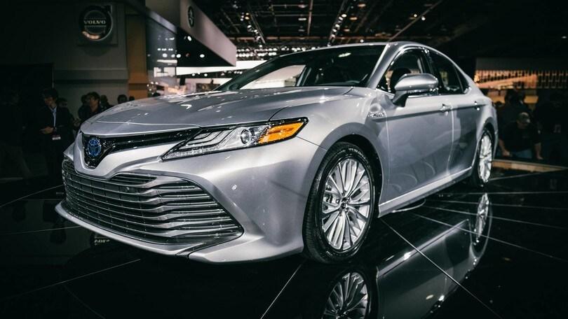 Toyota Camry, la più amata degli USA diventa sexy