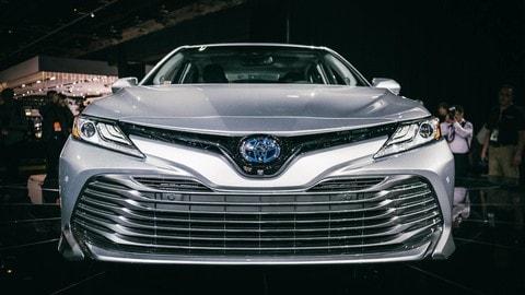 Toyota Camry al Salone di Detroit: foto