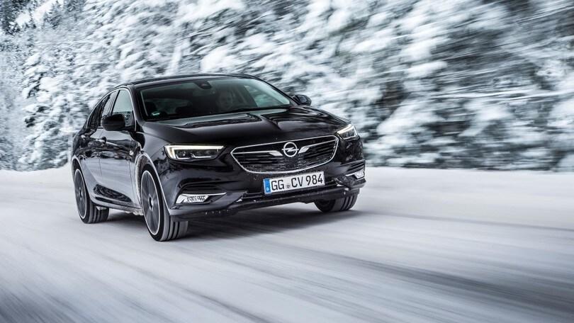 Opel Insignia Grand Sport, la 4x4 avrà il torque vectoring