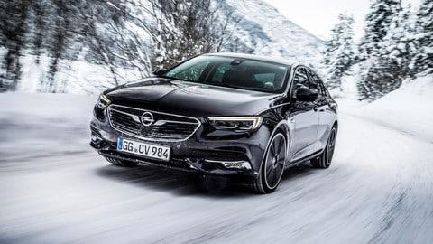 Opel Insignia Grand Sport integrale, le foto