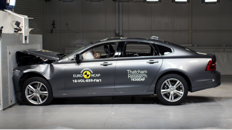 Volvo S90 e V90, cinque stelle nei crash test Euro NCAP