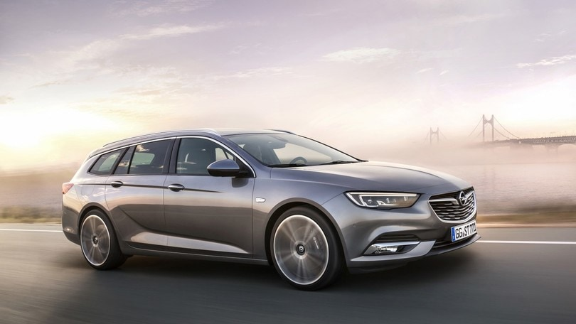 Opel Insignia Sports Tourer, wagon formato extralarge