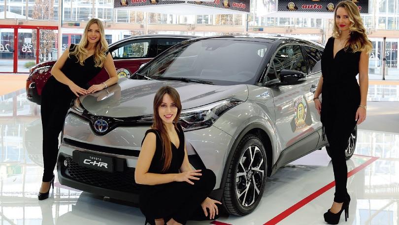 Toyota C-HR, l'ibrido declinato a Suv