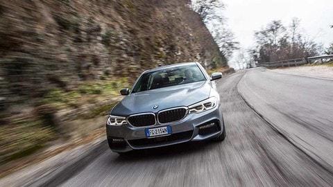 BMW Serie 5, il test su strada