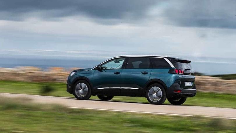 Peugeot 5008, primo test su strada