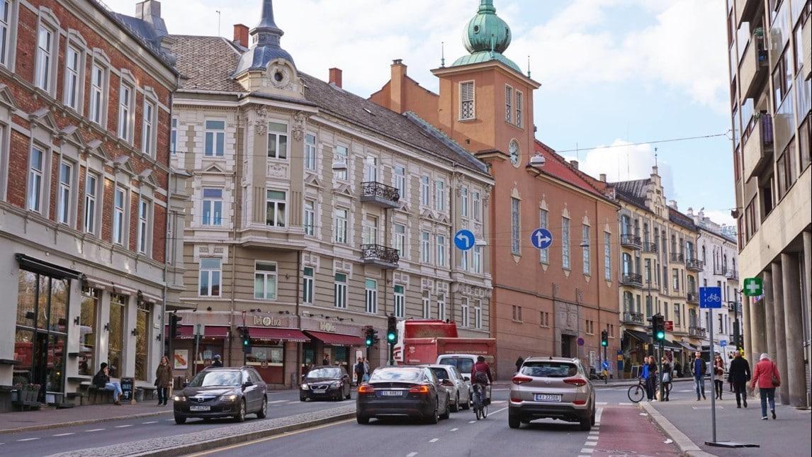Auto elettriche in norvegia avvenuto il sorpasso for Come ridurre il rumore nella cabina dell auto
