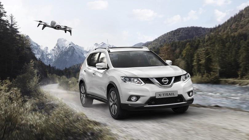Nissan X-Trail X-Scape, drone all'inseguimento
