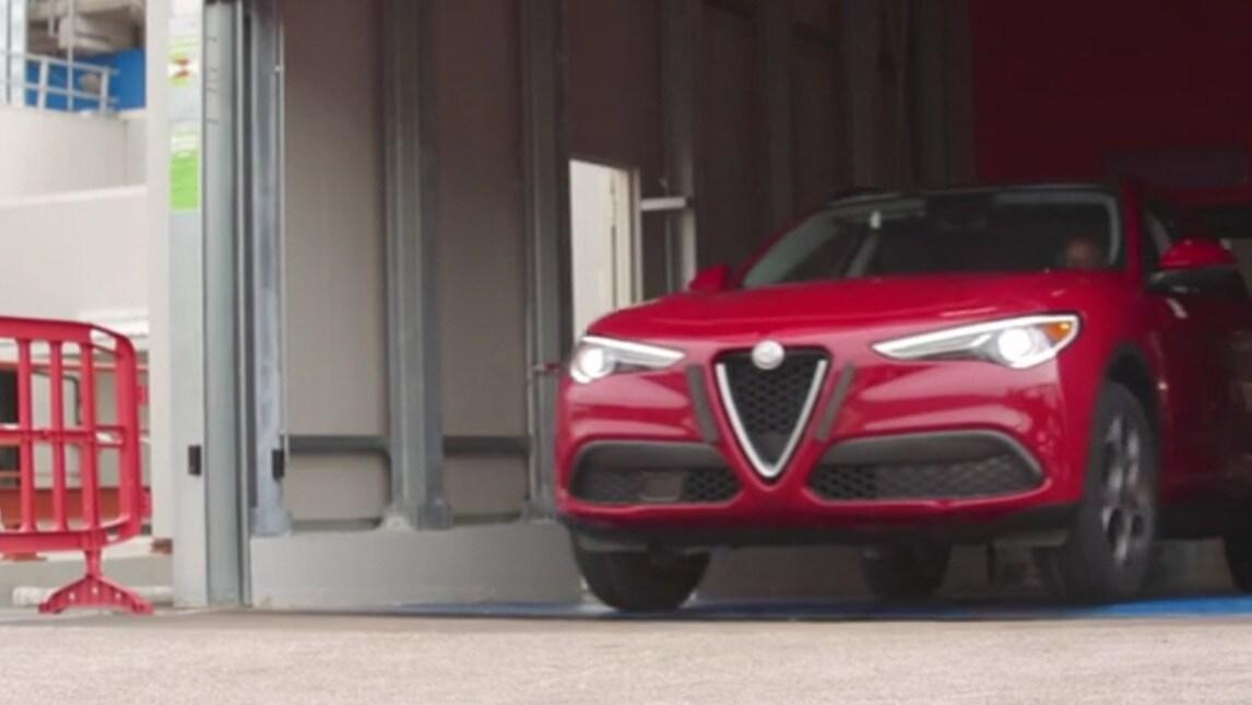 Alfa Romeo, dietro le quinte della fabbrica di Cassino