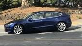 """Tesla Model 3, """"scappano"""" le prime immagini del modello di serie"""