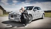 Il numero 1 Mercedes si fa un selfie con la nuova Classe A