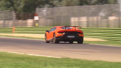 Lamborghini Huracan Performante, il test in pista