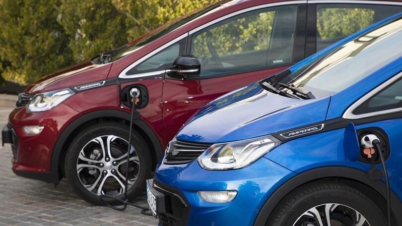 Auto elettriche, vendite record ma ne servono 600 milioni