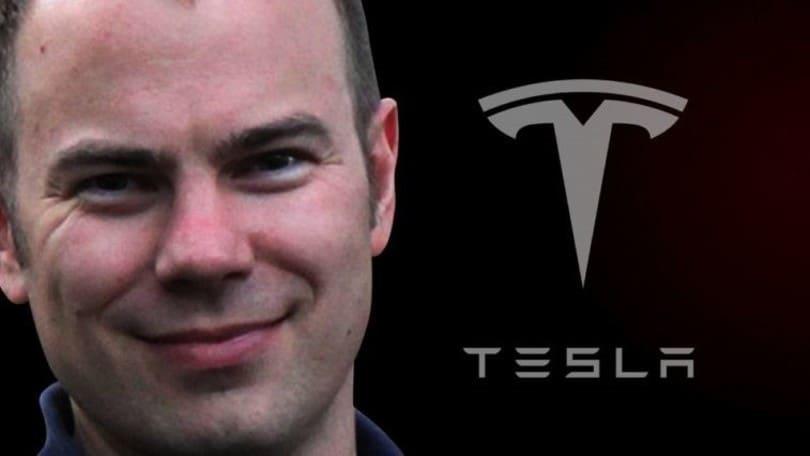 Tesla licenzia Lattner, responsabile della guida autonoma