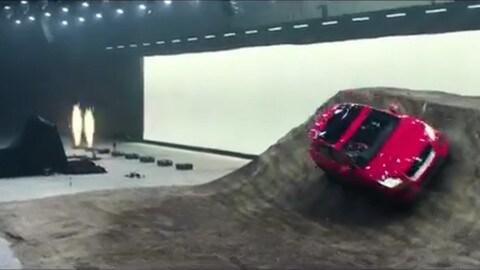 Jaguar E-Pace, un debutto da Guinness