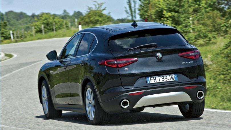 Alfa Romeo Stelvio Ecco Come Va Davvero Tra Le Curve Auto It