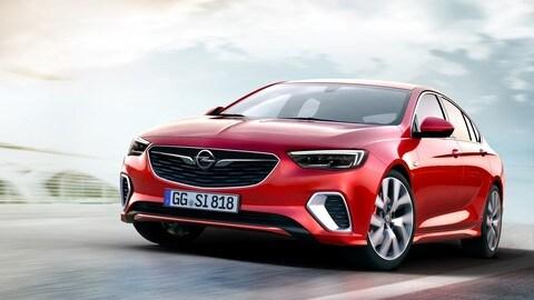Opel Insignia GSi, le foto