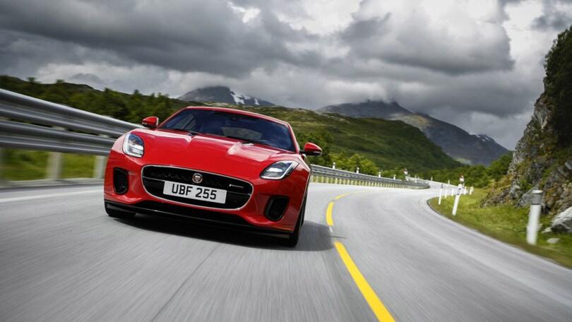 Jaguar F-Type, 4 cilindri che fanno per 6