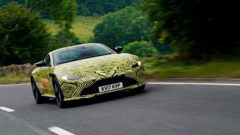 Aston Martin Vantage, le foto del prototipo