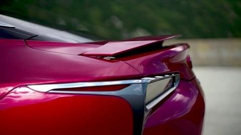 Lexus LC, la coupé GT su strada