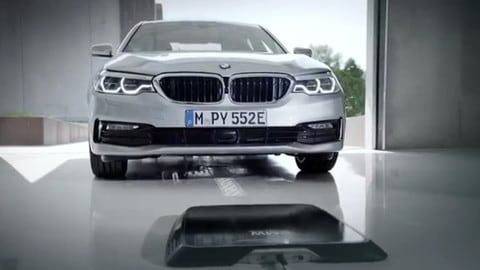 Arriva la ricarica induttiva su BMW Serie 5 iPerformance dal 2018