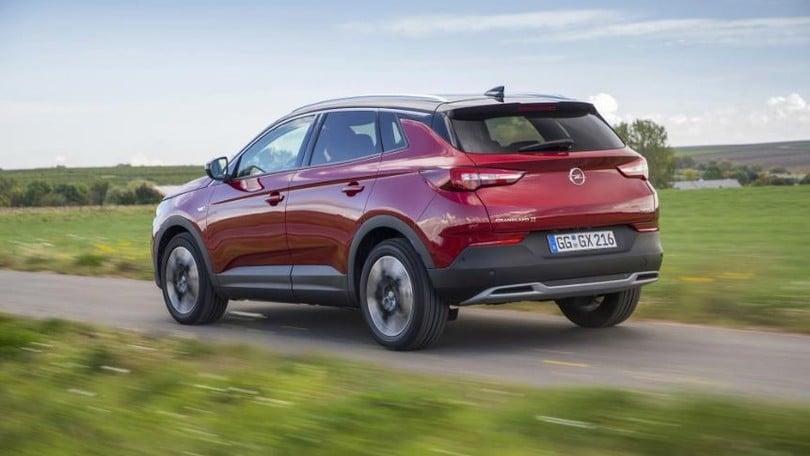 Opel Grandland X, il crossover su strada