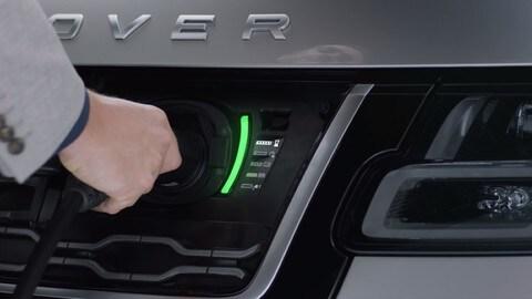 Range Rover 2018: la regina dei suv ora ibrida plug-in