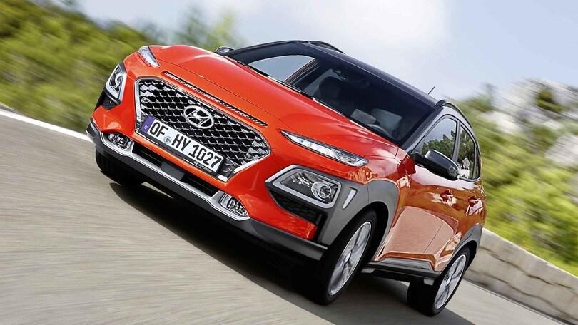Hyundai Kona, il Suv compatto su strada